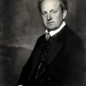 Gerhart Hauptmann (1914), [Public Domain]