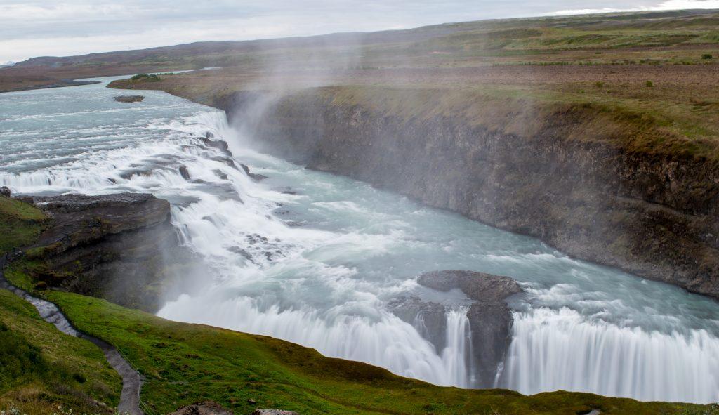 Tag 6: Gullfoss ist ein beeindruckender Wasserfall.