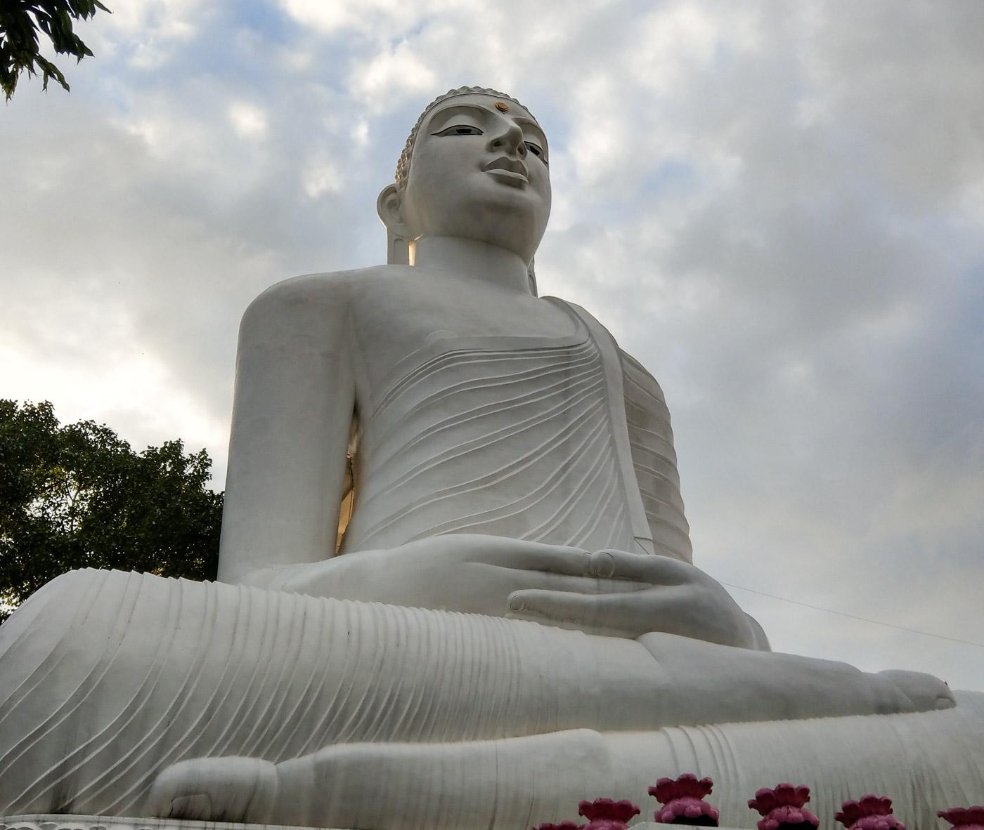 Riesige Buddha Statue